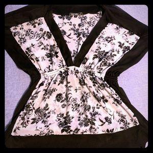 Floral Black/White Top